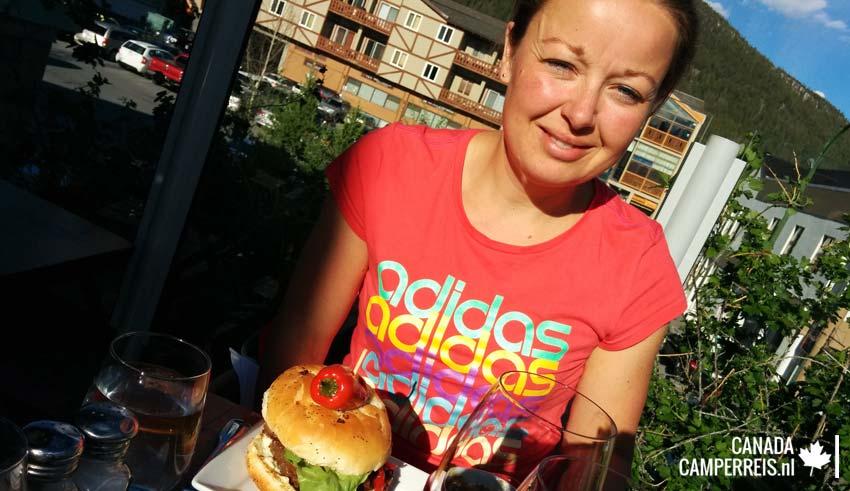 Hamburger bij The Bison Banff